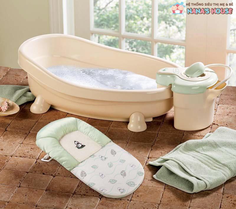 dụng cụ cần để tắm cho bé